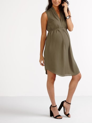 Stork & Babe - Sleeveless Pleated Maternity Dress