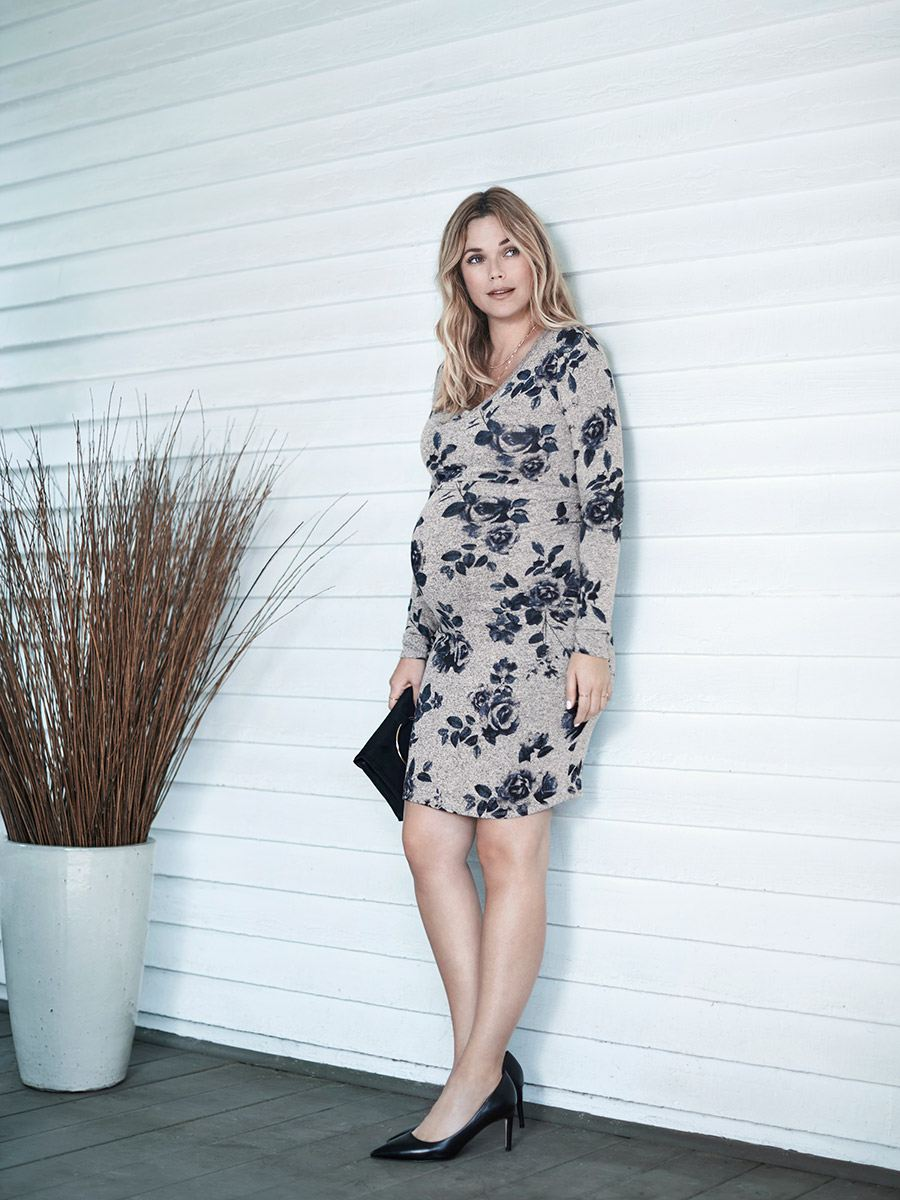 Stork & Babe - Long Sleeve Printed Maternity Dress