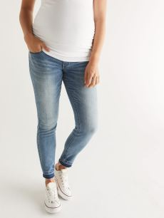 Super Skinny Distressed Maternity Jean