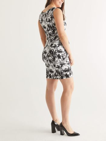 Stork & Babe - Printed Knotted Maternity Dress